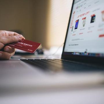 Így vásároljunk biztonságosan a neten és bankkártyával
