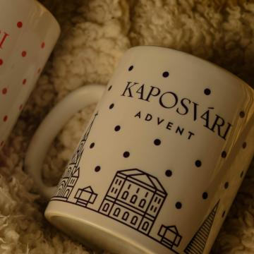Kaposvári adventes bögrékből ihatjuk a forró italokat