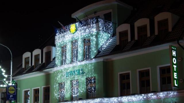 Teltházzal üzemelnek a szállodák karácsonykor és szilveszterkor
