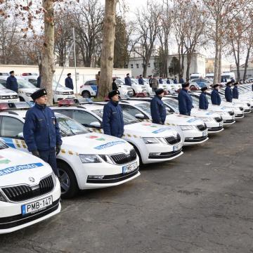 63 új rendőrautó állt hadrendbe Baranyában
