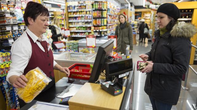 December 24-én az üzletek legkésőbb 14 óráig lehetnek nyitva