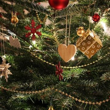 Így tündökölhet sokáig a karácsonyfánk