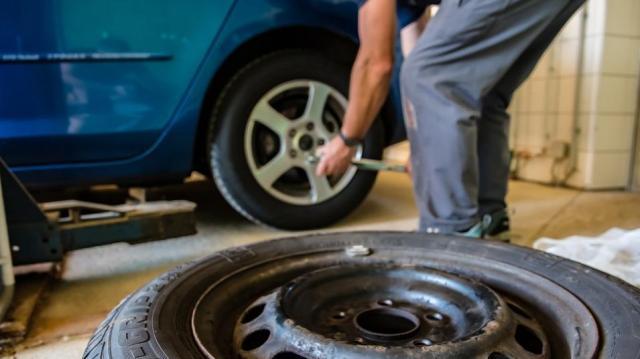 Százból tizenkét autón nyári abroncsok vannak egy felmérés szerint