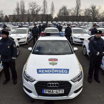 Több mint 33 milliárd forintból szerzett be új gépkocsikat a rendőrség