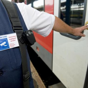 Ünnepek alatt is védik a vasúti kalauzokat