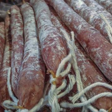 Füstölthúst lopott két fiatal