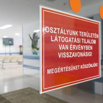 Látogatási tilalom az egri Markhot Ferenc Kórház gyermekosztályán