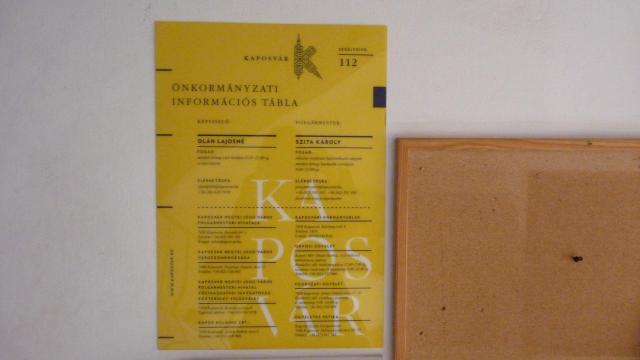 Új táblákat kaptak a kaposvári lépcsőházak