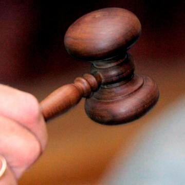 Enyhítették a volt prostituáltat megkéselő pécsi férfi börtönbüntetését
