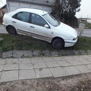 Kocsit lopott, majd balesetet szenvedett
