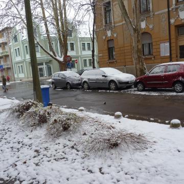Már lehet hóembert építeni Kaposváron