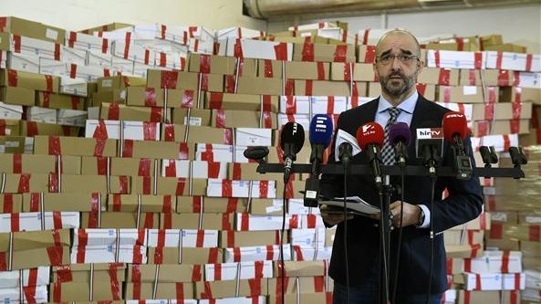 """Nemzeti konzultáción eredménye: egyhangúlag elutasítják a magyarok a """"Soros-tervet"""""""