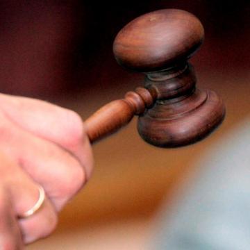 Tizenkét évre ítélték a 95 éves bácsit kirabló férfit