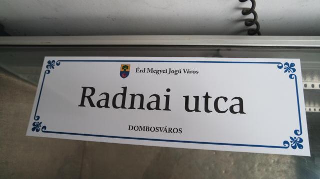 Új névtáblákat kapnak az érdi utcák