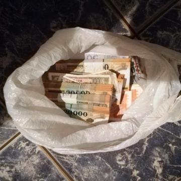 Több, mint 36 millió forint készpénzt loptak el