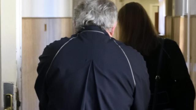 Zugírászat miatt állítottak elő egy ügyvédet egy szegedi tárgyalásról
