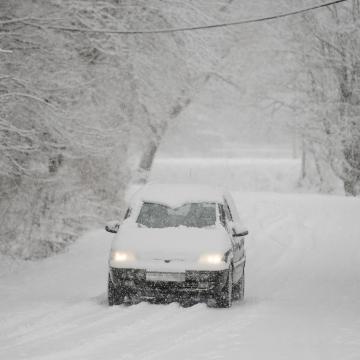 A hazai hegyekben néhol harminccentis a hó