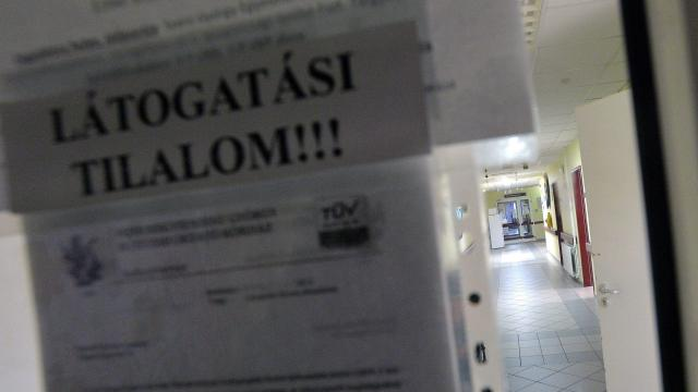 Egyre több kórházban van látogatási tilalom az influenza miatt
