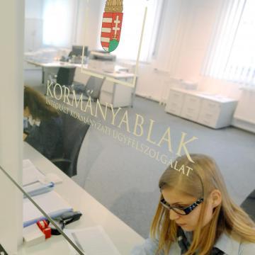 Új kormányhivatali irattári épületet adtak át Debrecenben