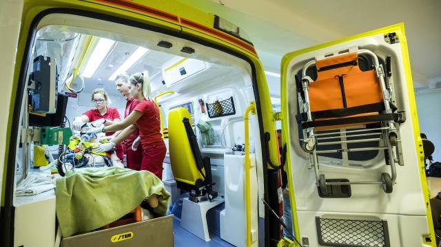 Majdnem megduplázódott a mentősök bére 2010-hez képest