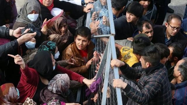 A magyarok zöme szerint jelentős probléma az illegális migráció