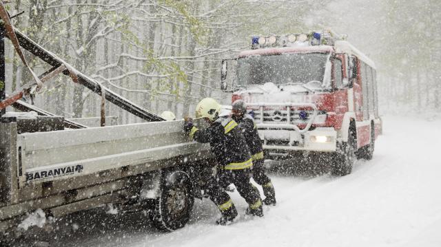 Havazás - Országszerte csaknem kétezer tűzoltó van készenlétben