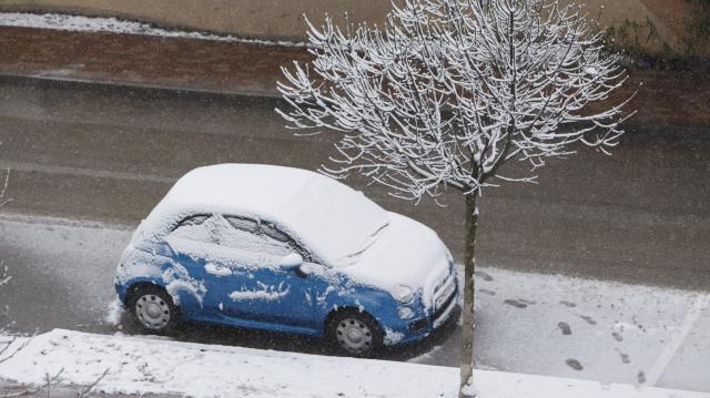 Szerdán is egész nap esni fog a hó