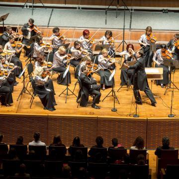 Bécsi klasszikusok és Eötvös Pétert művei a Pannon Filharmonikusok új évadában