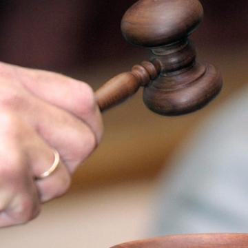 Jogerősen hat és fél évre ítélték a 47-es főúton szándékosan balesetet okozó férfit