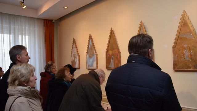 Kossuth- és Munkácsy Mihály- díjas tárlata nyílt a templomban