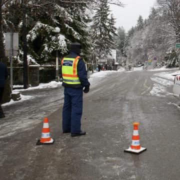 Útkorlátozásokat vezettek be térségünkben a havazás miatt