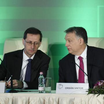 Orbán Viktor: Ha bevándorlóországgá válunk, hanyatlás lesz