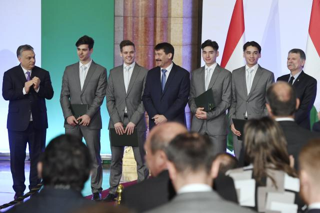 Kitüntették a téli olimpia magyar hőseit