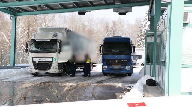 Több kamionos is csalt Baranyában