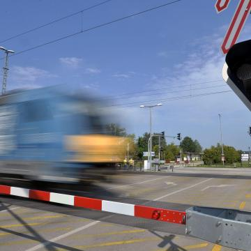 Változik a vonatmenetrend a munkanap-áthelyezés miatt