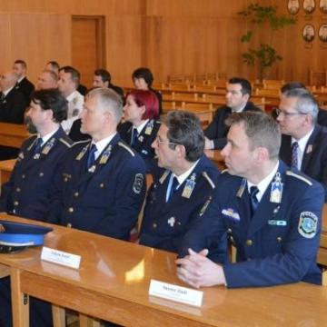 Elismerték a heves megyei rendőrök teljesítményét