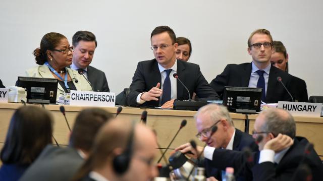 Szijjártó: A magyar embereknek joguk van biztonságban élni