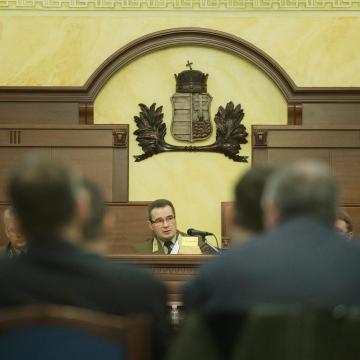 Tábornokok vesztegetési pere - Véget ért a vádbeszéd a Debreceni Törvényszéken