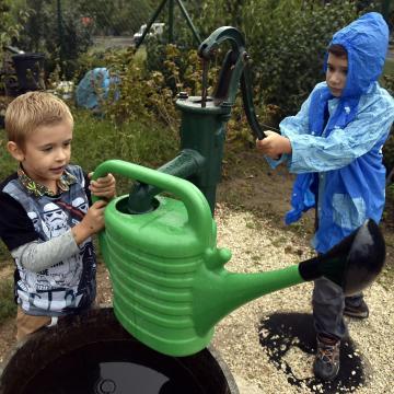 Gyerekjáték a kertészkedés - Új növénybarát újság kiskert-művelőknek