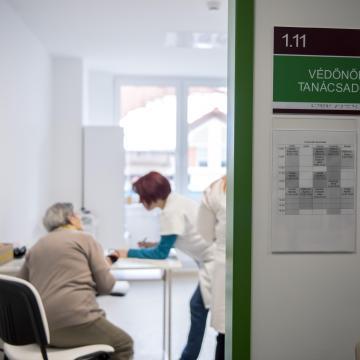 Új rendelőintézetet adtak át Pécs legnépesebb városrészében