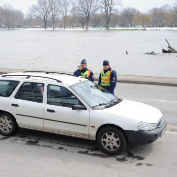 A Tisza áradása miatt lezárják a szegedi rakpartot
