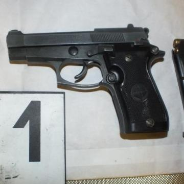 Fegyvereket foglaltak le a rendőrök két szentegáti ingatlanban