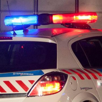 Fegyverrel támadtak parkolóőrökre Pécsen