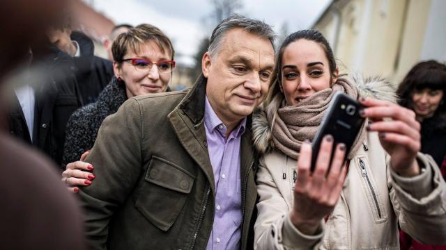 Orbán Viktor Bakonysárkányon: A népesedési problémát családpolitikával kell megoldani