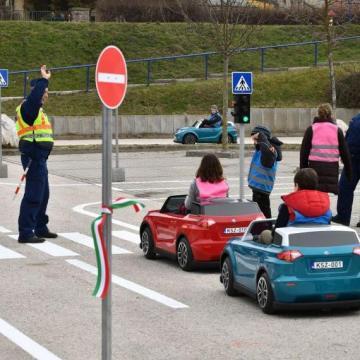 Suzuki kisautókkal nyit az Esztergomi Gyermek Autós Közlekedési Parkban