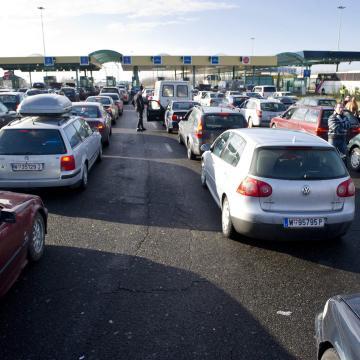Erős forgalom várható a Csongrád megyei határátkelőhelyeken