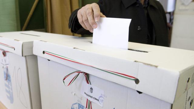 Elkezdődött a választás - Itt szavazhatunk a jelöltekre a balatonfüredi választókerületben!