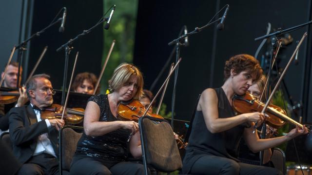 Magyarország tizenkilenc településén ad ingyenes koncertet a Fesztiválzenekar