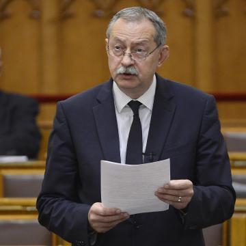 Szászfalvi László ismét Barcs befutója