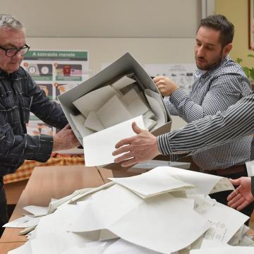 Választás 2018 - Hivatalosan befejeződött a szavazás